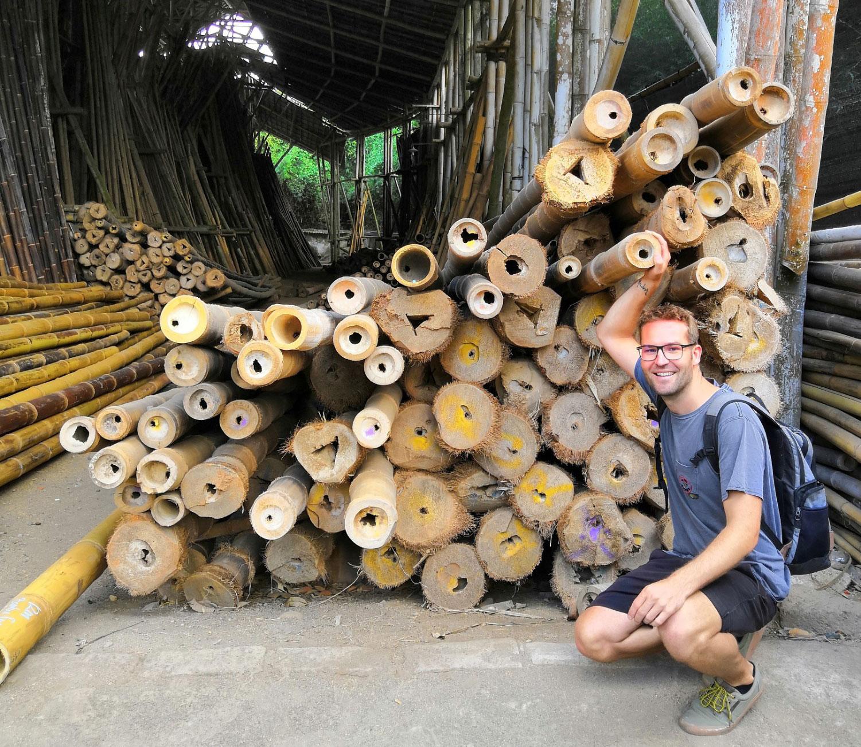 Hendrik Alsmann im Bambuslager